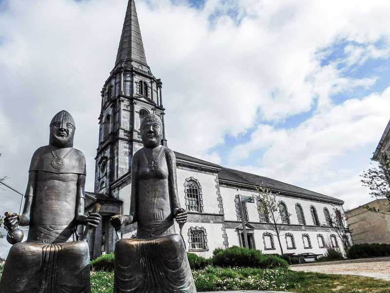 Statue of Strongbow and Princess Aoife, Waterford