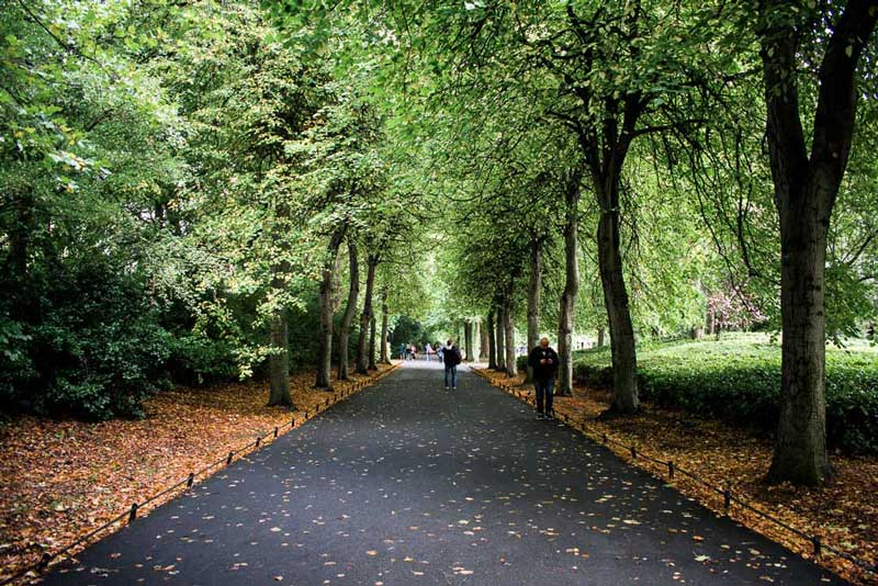 Don't miss Saint Stephen Green while on your self-guided tour of Dublin