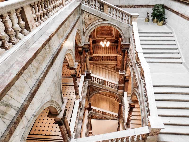 Take a free tour of the City Chambers during your weekend trip to Glasgow