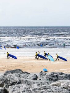 Surf lesson in Lahinch